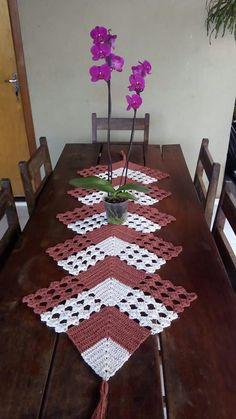 Good Images Crochet Doilies Tutorial Tip Doilies - DIY & Crafts Crochet Bedspread Pattern, Crochet Table Runner Pattern, Crochet Motifs, Crochet Quilt, Crochet Tablecloth, Crochet Home, Diy Crochet, Lace Doilies, Crochet Doilies