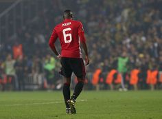 meet 04a2b d7f50 Paul Pogba of Manchester United leaves the match with an injury during the  UEFA Europa League