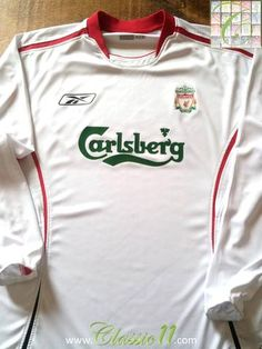 Relive Liverpool's 2005/2006 season with this vintage Reebok away long sleeve football shirt.