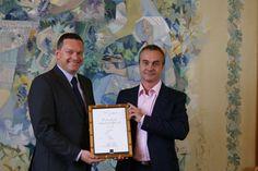 Voici Luc Rabuel, Ambassadeur français du Champagne 2013. http://www.terredevins.com/le-champagne-a-un-nouvel-ambassadeur/