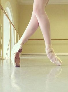 Aaaaaahhhhhhh! So beautiful but so painful to even look at! Dancers- you would understand! Vaganova Ballet Academy, beautiful feet, pointe shoes, rehearsal