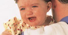 Cómo decorar pañales para usarlos como toallita para eructos. Los eructos y sus productos son parte del camino cuando se trata de cuidar recién nacidos e infantes. Como tal, las toallitas para eructos son una parte necesaria del arsenal de materiales de los nuevos padres. Aunque las toallitas comerciales pueden ser atractivas y tengan lindos diseños y colores, frecuentemente son demasiado pequeñas y poco ...