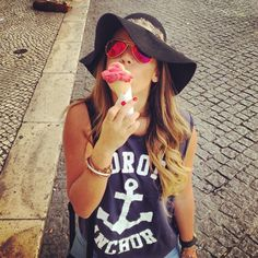 hat-glasses-icecream-tieeandiehair-anchorshirt... I want summer!!!!