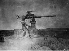 Çanakkale savaşı sırasında 1916 yılında Bozcaada'da ( tenodos ) İngiliz Sopwith Havacılık kampında hava topu