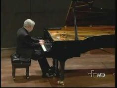 ▶ Nelson Freire plays Beethoven Moonlight Sonata (Complete) - YouTube