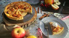 Ha szereted az almás pitét és a sajttortát is, akkor ezt a receptet neked találtuk ki. A tökéletes pitealap, rá jön egy krémsajtos réteg, amin fahéjas, cukros alma landol. Nagyon ütős egy újítás, próbáljátok ki!    Almás krémsajtos pite    Hozzávalók (1 pitéhez):  A pitetésztához    250 g liszt  150…