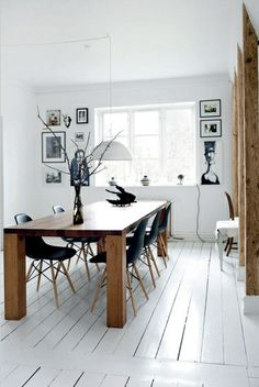 Esstisch / Dining table