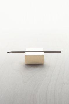 Brass pen rest/mimalux