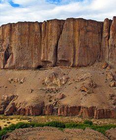 Cueva de las Manos terrain. ARGENTINA