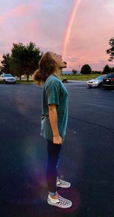 People Who Use Power of Perspective and Create Incredible Optical Illusion Photos - Bff Pictures - vsco Optical Illusion Photos, Optical Illusions, Poses Photo, Picture Poses, Photos Tumblr, Tumblr Ideas, Tumblr Picture Ideas, Best Friend Pictures, Friend Photos