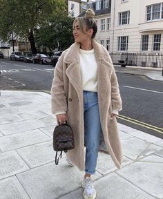 Casual Winter Outfits, Winter Fashion Outfits, Trendy Outfits, Fall Outfits, Winter Fashion Street Style, London Street Fashion, Urban Chic Outfits, Autumn Street Style, Fall Fashion