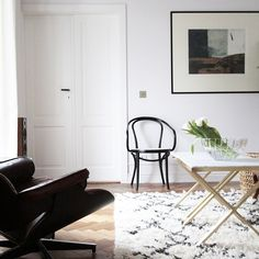 Fresh flowers and new  moroccan rug. I miss you Spring! Brass & Marble Coffeetable by Magdalena Tekieli