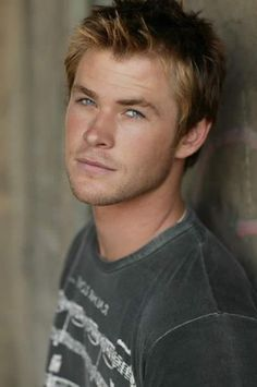 Luke Hemsworth ~ Wow! All of them are gorgeous!