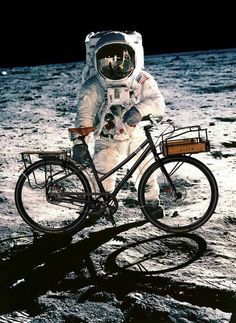 There's only one outfit to choose when you're riding on the moon #cycling #bike #ride