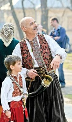 Ukrainian Cossacks: old and young. Ancestral traditions, etymology late 16th century > Russian kazak > Turkic for 'vagabond, nomad' (see also Kazakh)