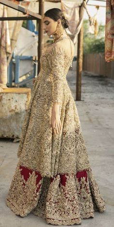 Good Photo Bridal Dresses eastern Thoughts No matter if you happen to be musing of your wedding dress due to the fact you used to be 5 and unde inspo pakistani Asian Bridal Dresses, Pakistani Wedding Outfits, Indian Bridal Outfits, Indian Bridal Fashion, Pakistani Wedding Dresses, Pakistani Dress Design, Indian Dresses, Red Wedding Lehenga, Bengali Wedding