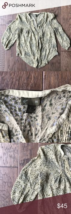 Anthropologie Fei Floral Sheer Blouse Suuuuch a comfortable blouse. Has flowy sleeves. No damage! Anthropologie Tops Blouses
