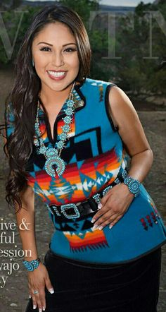 A Native American Arts & Entertainment On-line Magazine Native American Models, Native American Clothing, Native American Beauty, Navajo Clothing, Navajo Women, American Indian Girl, Native Girls, Cherokee Woman, Indian People