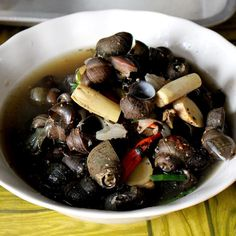 Snails soup a local delicacy in Petchabun. Thai #escargot right here!