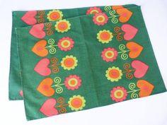 vintage daisy place mats Retro Fabric, Vintage Fabrics, Vintage Patterns, Place Mats, Surface Pattern, Flower Power, Fabric Design, Retro Vintage, Daisy