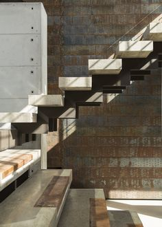 House Boz Stairs M Square Lifestyle Design Cantilever Stairs, Stair Handrail, Staircase Railings, Stairways, Interior Railings, Interior Stairs, Contemporary Stairs, Modern Stairs, Railing Design