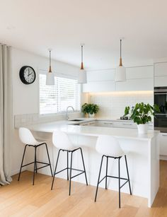 Graceful Small kitchen cabinets in nigeria tricks,Kitchen layout for remodel tips and Small kitchen remodel design ideas. Kitchen Room Design, Modern Kitchen Design, Home Decor Kitchen, Kitchen Interior, New Kitchen, Kitchen Furniture, Cheap Furniture, Best Kitchen Layout, Space Kitchen