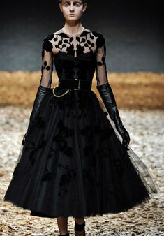 McQ Alexander McQueen Fall 2012, February 2012. Gorgeous. Leather gloves, vintage sillhoette, and burnout velvet. WOW