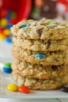 The other day I had a HUGE craving for oatmeal cookies! I turned to my mom's oatmeal chocolate chip cookie recipe and halved it. Oatmeal Chocolate Chip Cookie Recipe, Perfect Chocolate Chip Cookies, Oatmeal Cookie Recipes, Oatmeal Cookies, Chocolate Chips, Just Desserts, Delicious Desserts, Dessert Recipes, Yummy Food