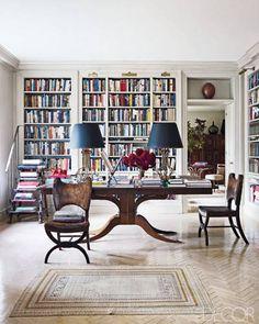 43 Trendy home library table elle decor Manhattan Apartment, Parisian Apartment, Bookcase Styling, Built In Bookcase, Bookcases, Elle Decor, Home Office, Library Table, Library Ladder
