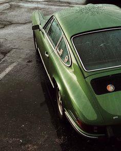 "capturingthemachine: ""I think this one's a Porsche #luftgekuhlt #luftgekuhlt http://ift.tt/2qPHbS4 """