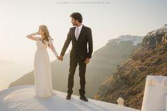 Santorini photographer Anna Sulte. Sunset Photo shoot.  #sunset #santorini #photoshoot #greece #santoriniphotographer #thera #photosession #postwedding #greecephotographer