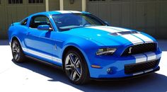 Foto: The blue 2010 Ford Shelby GT500!