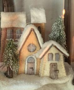 Winter Holidays, Winter Christmas, Christmas Home, Christmas Projects, Holiday Crafts, Felt Ornaments, Christmas Ornaments, Felt House, Felt Embroidery
