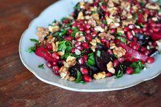 hauptsalat: rote rüben mit granatapfel & walnüssen