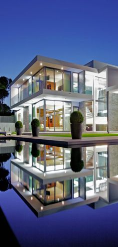 Trendy house modern glass architecture dream homes ideas Architecture Design, Residential Architecture, Amazing Architecture, Contemporary Architecture, Architecture Interiors, Modern Contemporary, Modern House Design, Modern Glass House, Glass House Design