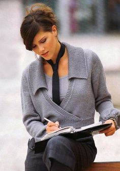Business Portrait, Rubrics, Business Women, Knit Crochet, Men Sweater, Knitting, Model, Knits, Photo Ideas
