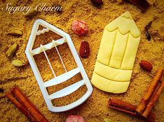 Celebrate back to school with our pencil cookie cutter. Even little hands can use our 3D imprint cutter to bake delicious pencil cookies. Combined with some paper goods, pencil cookies make a great fi
