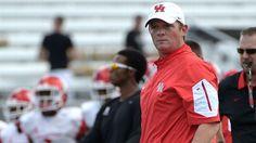Houston promotes OC Applewhite to head coach