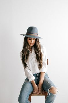 Monroe Hat For Women Beanies For Men Beach Hats For Women – eeshoop Girl Photography Poses, Fashion Photography, Outfits With Hats, Cute Outfits, Stylish Outfits, Foto Portrait, Photoshoot Inspiration, Photoshoot Ideas, What To Wear Photoshoot