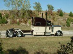 Peterbilt Stand up Sleeper Show Trucks, Big Rig Trucks, Custom Big Rigs, Custom Trucks, Peterbilt Trucks, Peterbilt 379, Truck Quotes, White Truck, Truck Paint