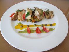 Pollo  ratatouille e  capperi  ,salsa di carote e pesto di basilico  Gino D'Aquino