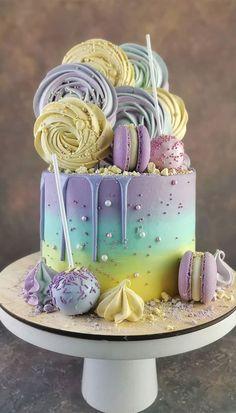Candy Birthday Cakes, Unique Birthday Cakes, Birthday Cakes For Teens, Beautiful Birthday Cakes, Small Birthday Ideas, Best Birthday Cake Designs, Cake Decorating Frosting, Cake Decorating Designs, Creative Cake Decorating