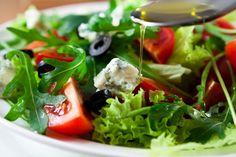 Auf diese 12 Zutaten solltest du bei deinem Salat besonders achten