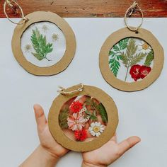 Christmas Cards To Make, Diy Christmas Ornaments, Ornaments Ideas, Rustic Christmas, Christmas Tree, Tree Lanterns, Crafts For Kids, Arts And Crafts, Nature Activities