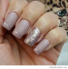 Nude nails with silver details