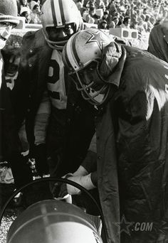 "A look back at the 1967 NFL Championship Game, otherwise known as the ""Ice Bowl"", between the Green Bay Packers and Dallas Cowboys. Game time temperature was 13 degrees below zero. (Photo credit: AP)"