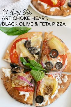 Weight Watchers Artichoke Heart Pizza with Black Olives, Tomatoes and Feta Cheese - container counts included in post! Artichoke Heart Recipes, Artichoke Pizza, Feta Pizza, Arugula Pizza, New Recipes, Whole Food Recipes, Fixate Recipes, Whole Wheat Pizza, Filling Food