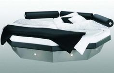 this is an awesome waterbed which will provide an elegant look to the interior of homes