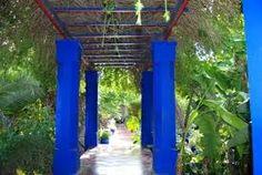 se ressourcer dans des jardins merveilleux et toujours ce bleu