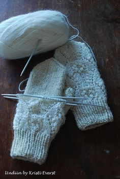Ravelry: capucino's Natural White Mittens with Lace. What a lovely pair of mittens to create a matching set with their previously knit lace overlay hat